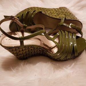 Tahari shoes size 7.5